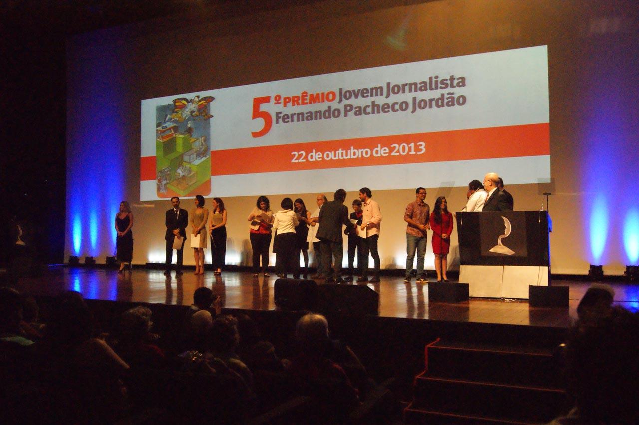Entrega dos troféus do 5º Prêmio Jovem Jornalista Fernando Pacheco Jordão, em 2013
