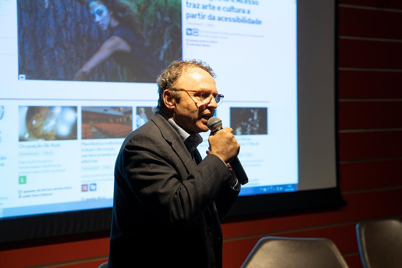 Rogério Sottili durante o 1º Encontro nacional de jornalistas e comunicadores, em 2018 (Foto: Vinícius Martins)
